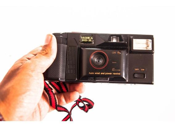 Câmera Yashica Aw 818