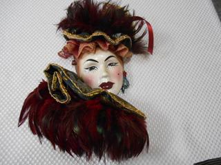 Máscara Del Carnaval De Venecia, Cerámica Y Plumas