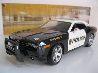 Dodge Challenger Police - 1/18 Maisto - Frete Grátis