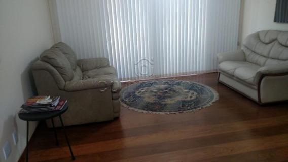 Apartamento - Ref: 5305
