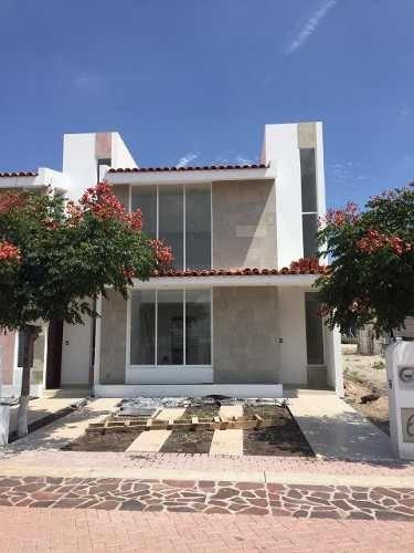 Casa En Venta En Ciudad Maderas Con Rec En Planta Baja