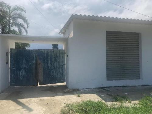 Imagem 1 de 14 de Casa Com Comércio Em Itanhaém 2 Dormitórios. 6345e