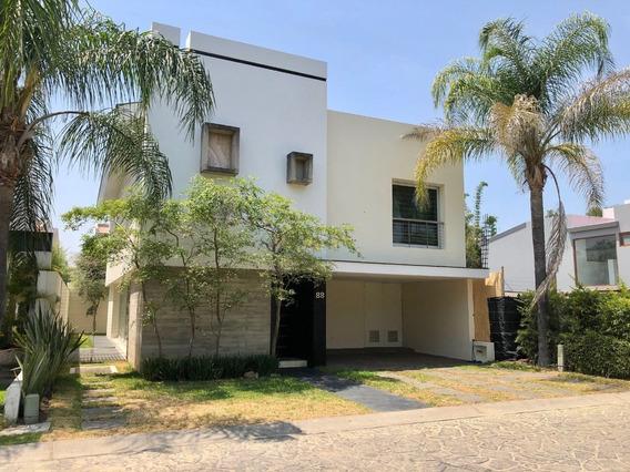 Casa En Venta En Valle Real Dentro De Coto Las Rosas, 3 Rec