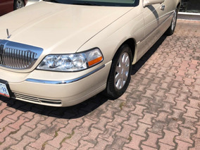 Lincoln Town Car Signure Limited At 2005