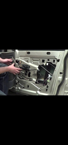 Imagem 1 de 1 de Conserto De Máquina De Vidro Elétrico E Manual
