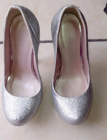 Zapatillas Color Plata Con Plataforma Y 15 Cm De Alto.