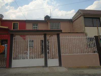 *bonita Casa, Excelente Ubicación Recién Remodelada*