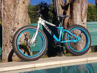 Bicicleta Fat Bike Sbk Hunter R24 Celeste Y Blanca