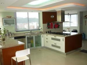 Apartamento En Venta El Bosque Valencia Cod 20-8371 Ddr