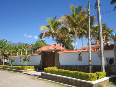 Casa En Venta En Chinauta, Cundinamarca 9072-0