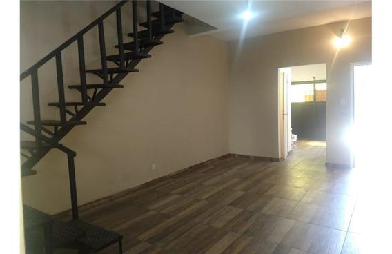Casa 3 Ambientes En Carapachay Refaccionada
