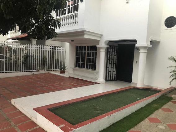 Casa 3 Habitaciones 3 Baños Cuarto De Servicio Baño Y Patio