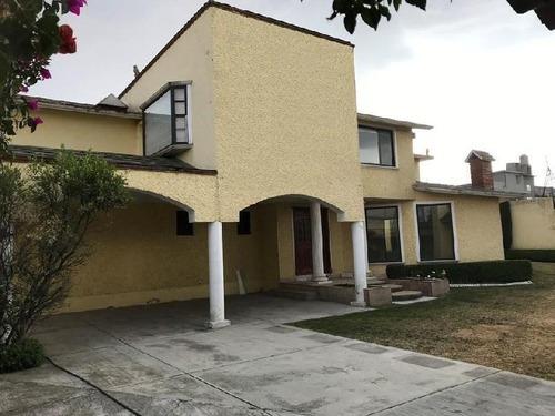 Casa En Condominio En Venta En Cacalomacán, Toluca, México