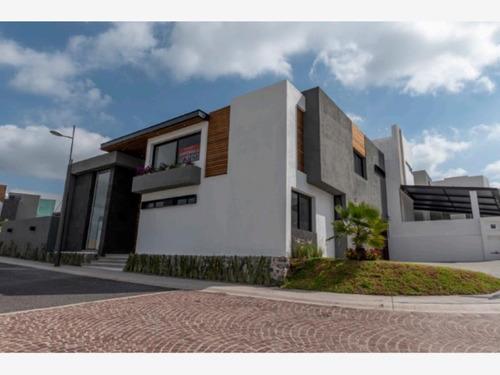 Imagen 1 de 12 de Casa Sola En Venta Lomas De Juriquilla