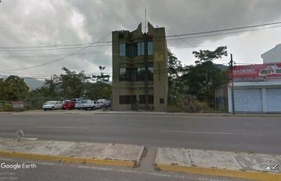 Oportunidad, Edificio En Venta Cerca Del Puerto Interior