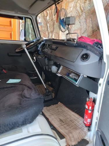 Imagem 1 de 4 de Volkswagen Kombi 2013 1.4 Total Flex 3p