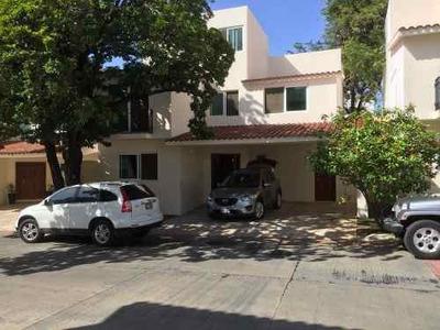 Casa En Renta Dentro De Fraccionamiento Privado Juan Crispín, Tuxtla Gutiérrez, Chiapas.