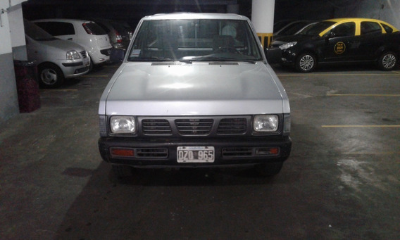 Nissan Pick Up Cabina Simple