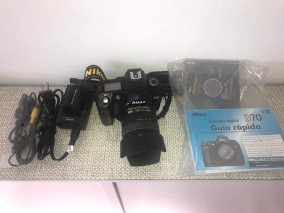 Nikon - Modelo D70