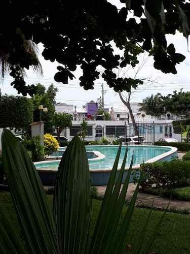 Hemosa Casa Amueblada De 4 Recamaras Y 2 Baños!!!
