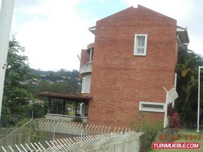 Townhouses En Venta Urb. La Union. 19-1718