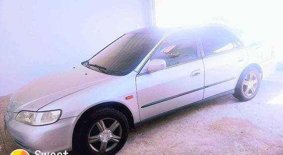 Honda Accord 2.3 Ex 4p 2001