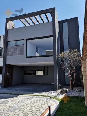 Casa En Venta En Cluster Baja California, Lomas De Angelopolis