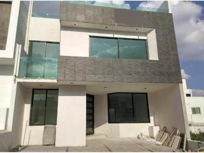Casa Sola En Venta Fracc Zen House
