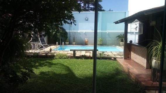 Casa Triplex, Cond.fech. - R. Uruçanga - Porteira Fechada