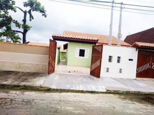 Imagem 1 de 11 de Casa 1km Do Mar Aceita Financiamento Com 150m² 7069
