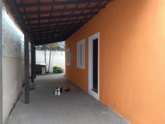 Casa Independente Com Quintal