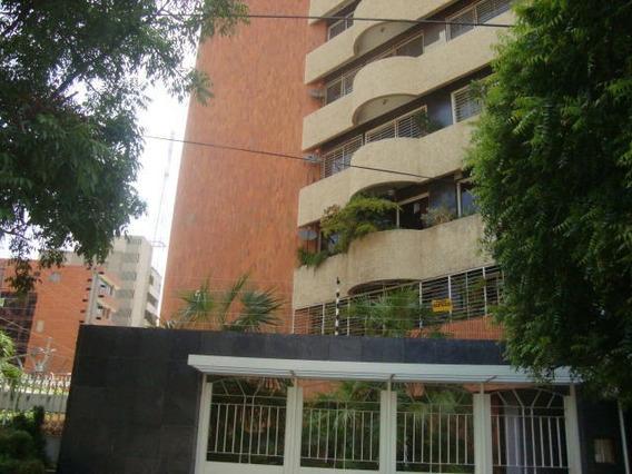 Apartamento En Alquiler. La Lago. Mls 20-16163. Adl.