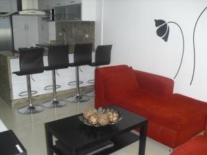 Apartamentos Barato En Venta Los Naranjos Humboldt 20-12985