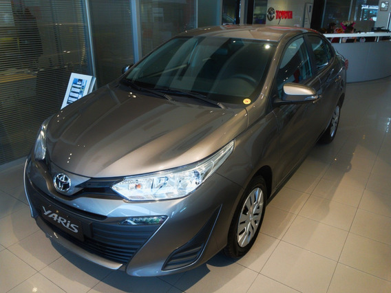 Toyota Yaris Xs 4 P