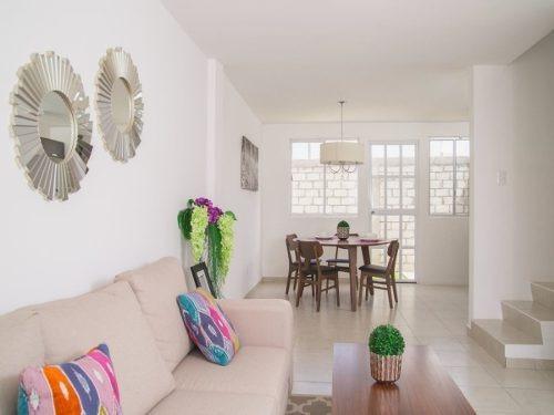Preciosa Casa En Hacienda Del Bosque, 2 Recámaras, 2.5 Baños, Jardín, Ganela!