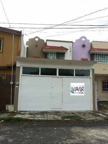Bonita Casa En Venta En Elejido 1ro De Mayo Sur