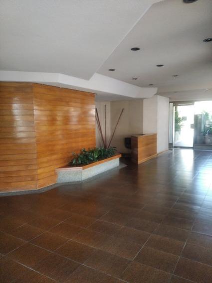 Apartamento En La Urb. Altamira