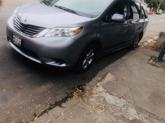 Toyota Sienna Le Aa Ee At 2011
