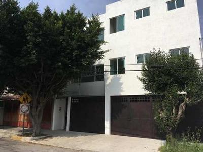 Departamento En Renta En Viveros De La Loma, Tlalnepantla, México.