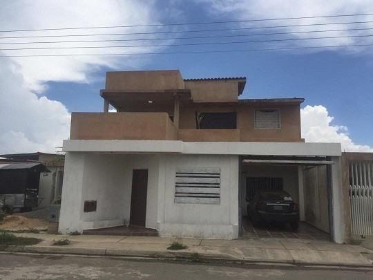Se Vende Amplia Casa En Ciudad Alianza
