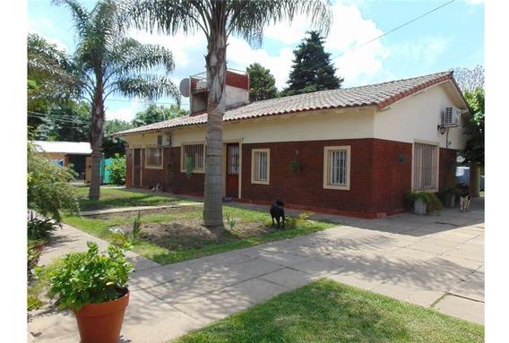 Casa En Venta. Zona Norte, Villa De Mayo