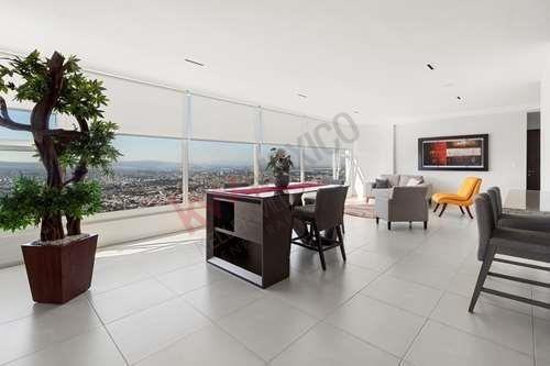 Venta De Penthouse Con 4 Recamaras Y La Mejor Vista Ubicado En La Cima Towers