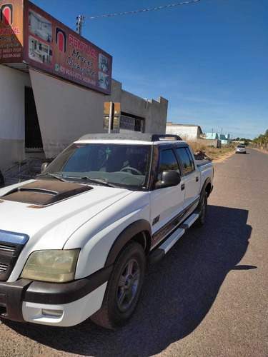 Chevrolet S10 2011 2.4 Rodeio Cab. Dupla 4x2 Flexpower 4p