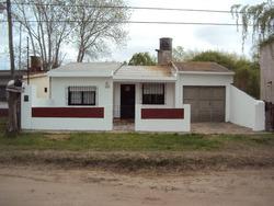 Casa Con Garage En Lote Propio De 10 X 38 Mas Monoambiente
