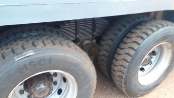 Caminhão Borracheiro