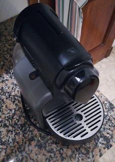 Cafetera Nespresso (delonghi)