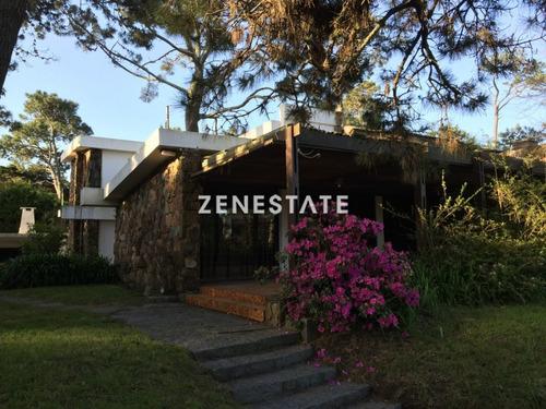Casa En Pinares 4 Dormitorios Con Parrillero Y Garage