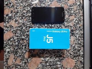 Samsung Galaxy J5 Pro 2017. Display Roto