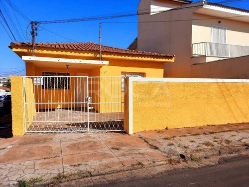 Imagem 1 de 6 de Aluguel De Casas / Padrão  Na Cidade De São Carlos 47405
