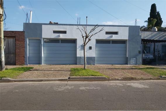 Casa En Venta 4 Amb. - Quincho - Pque. Y Pileta